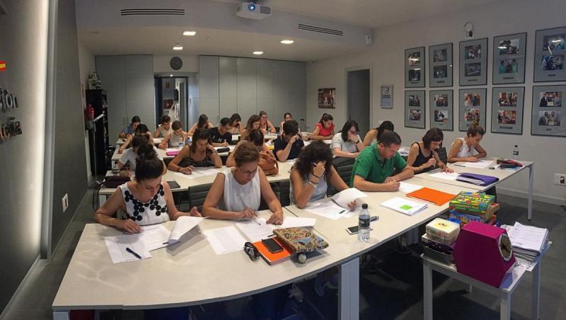 Alumnos durante las pruebas de evaluación del curso.
